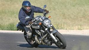 Motocicleta en carretera