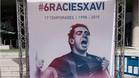 Aficionados se fotografían en el photocall de Xavi