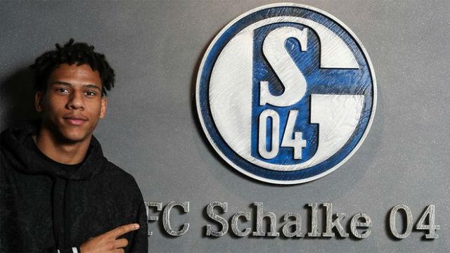 Así fue el primer día de Todibo en el Schalke 04