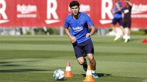 Carles Aleñá durante un entrenamiento del Barça