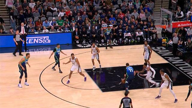 ¡Doncic entra en la historia de la NBA con su 21º triple doble de la temporada!