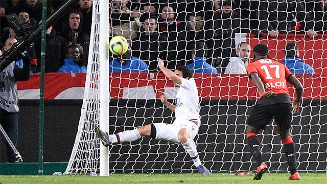 El gol de Jérémie Boga al Lyon cuando jugaba en el Rennais