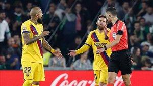 Leo Messi fue víctima directa de los errores de Sánchez Martínez