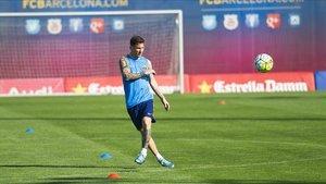 Messi, entrenando en solitario para acelerar su regreso