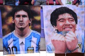 Messi y Maradona, en una imagen tomada en Chile en 2015
