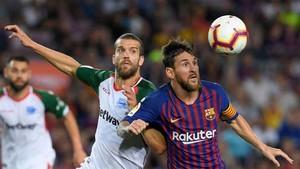 Messi revolucionó una vez más el partido y marcó dos goles