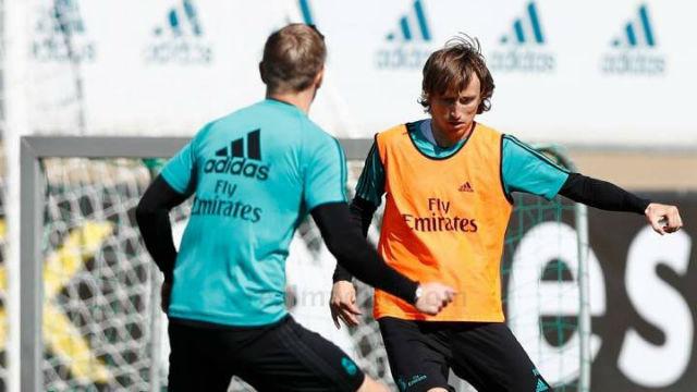 En el Real Madrid entrenan todos menos Nacho
