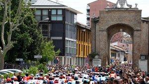 La serpiente multicolor avanza imparable hacia Verona