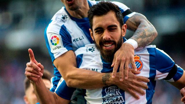 Tres pases y picada al portero para que Borja Iglesias marque el gol más rápido de LaLiga