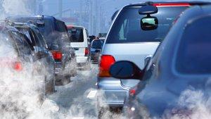 Contaminación en la carretera.