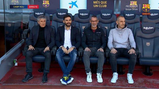 Setién y su staff técnico en el banquillo del Camp Nou