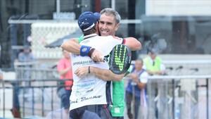 Bueno y Díaz, felices por la victoria, camino de octavos