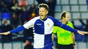 Edgar Hernández seguirá goleando para el Sabadell