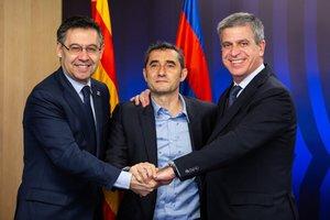 Ernesto Valverde ha firmado el contrato que le ligará con el Barcelona por una temporada más