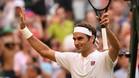 Federer celebra su triunfo ante Struff en la central