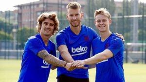 Griezmann, De Jong y Neto ya entrenan con sus nuevos compañeros