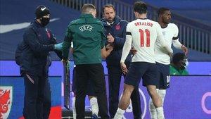 Inglaterra quiere arrebatar el liderato a Bélgica