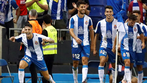Los jugadores del Espanyol celebraron un nuevo triunfo en casa