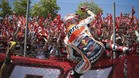 Márquez celebra el podio en el GP de Catalunya con sus fans