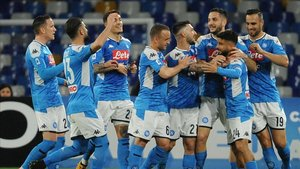 El Nápoles celebra un gol anotado ante el Torino en la Serie A