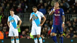 Paulinho celebra uno de los dos goles que le marcó al Deportivo