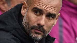 Pep Guardiola se queja del balón de la Carabo Cup