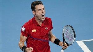 Roberto Bautista celebra un punto en la final de la ATP Cup 2020