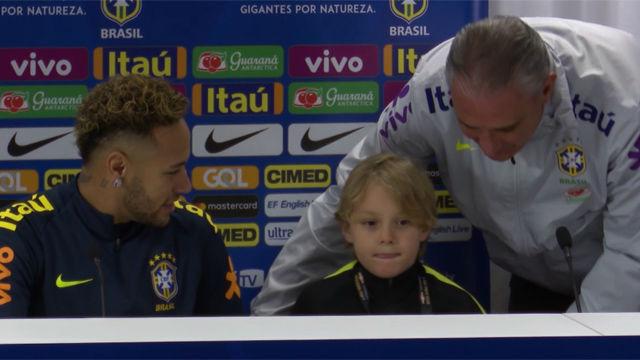 La rueda de prensa más surrealista de Neymar