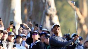 Segunda jornada irregular de Tiger que le deja sin opciones para el fin de semana