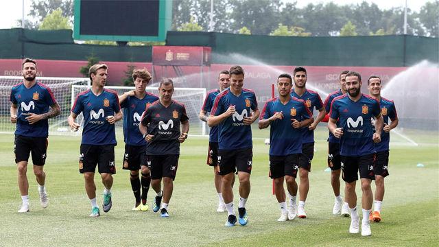 La selección española volvió a los entrenamientos tras el empate ante Portugal