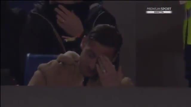Totti se emocionó al recibir el apoyo de la afición