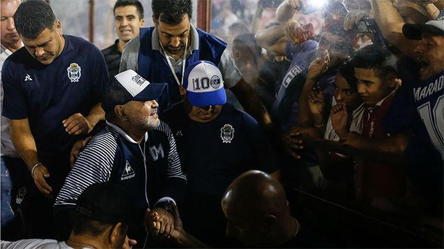 La vuelta de honor de Maradona por los estadios argentinos llega a Huracán