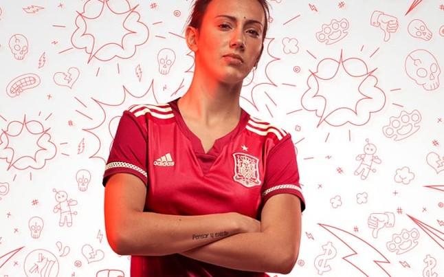Así será la camiseta de España en el Mundial de Canadá ccd551a5dd8b6