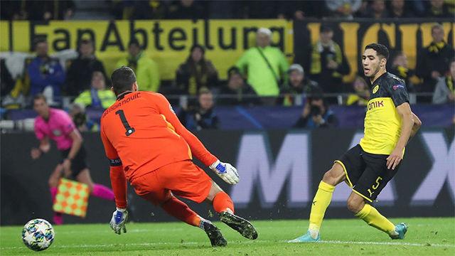 Achraf Hakimi marcó un doblete en la victoria del Borussia ante el Inter
