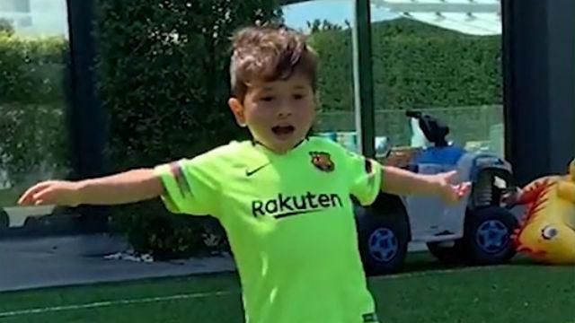 El cambio de ritmo de su padre y celebra los goles igual: ¡Show de Mateo Messi!