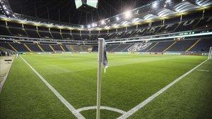 Eintracht y Basilea jugarán con el estadio vacío