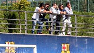 Imagen de Altimira y Roura con Puyol en un partido del juvenil