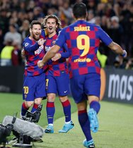 Imágenes del partido entre el FC Barcelona y el Borussia Dortmund del grupo F de la fase de grupos de la Liga de Campeones disputado en el Camp Nou, en Barcelona.