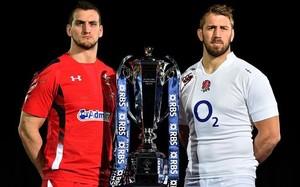 Los capitanes de Gales e Inglaterra posan con el trofeo que todos anhelan
