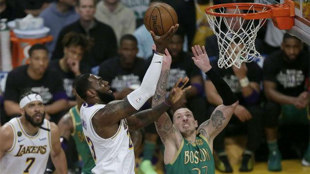 Los Lakers se llevan el clásico a pesar de los 41 puntos de Tatum