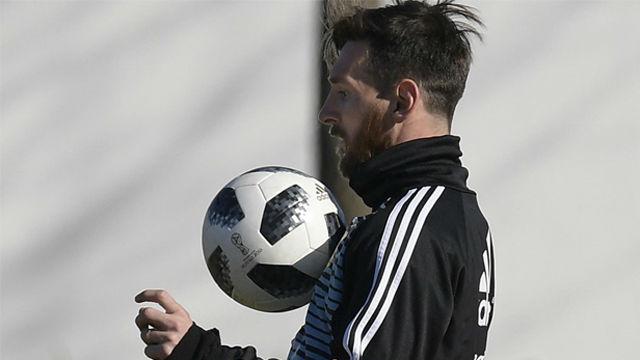 ¡Messi se luce en el entrenamiento de Argentina con esta chilena!