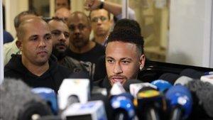 Neymar, en el centro de la polémica