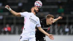 El Real Madrid sufrió para salvar un punto en el Borussia Park