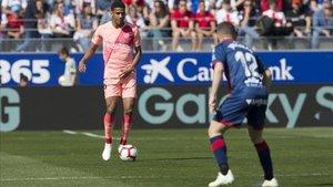 Todibo fue una de las notas positivas del equipo en Huesca