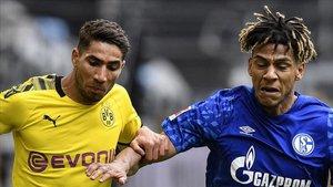 Todibo, en el partido jugado con el Schalke 04 ante el Borussia Dortmund