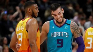 Willy aprovecha sus minutos con los Hornets