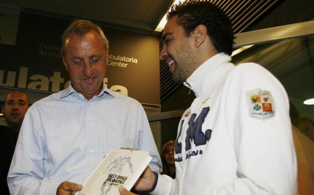 """Xavi: """"Cruyff ha sido la persona más influyente en la historia"""""""