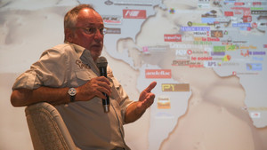 Jean Louis Schlesser, durante la presentación en Barcelona