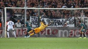 El Ajax sufrió de lo lindo para lograr un empate en Salónica.