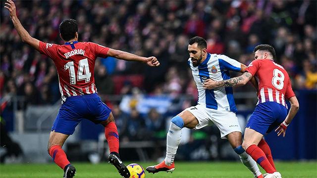 Borja Iglesias obligó a lucirse a Oblak en la jugada que pudo cambiar el partido